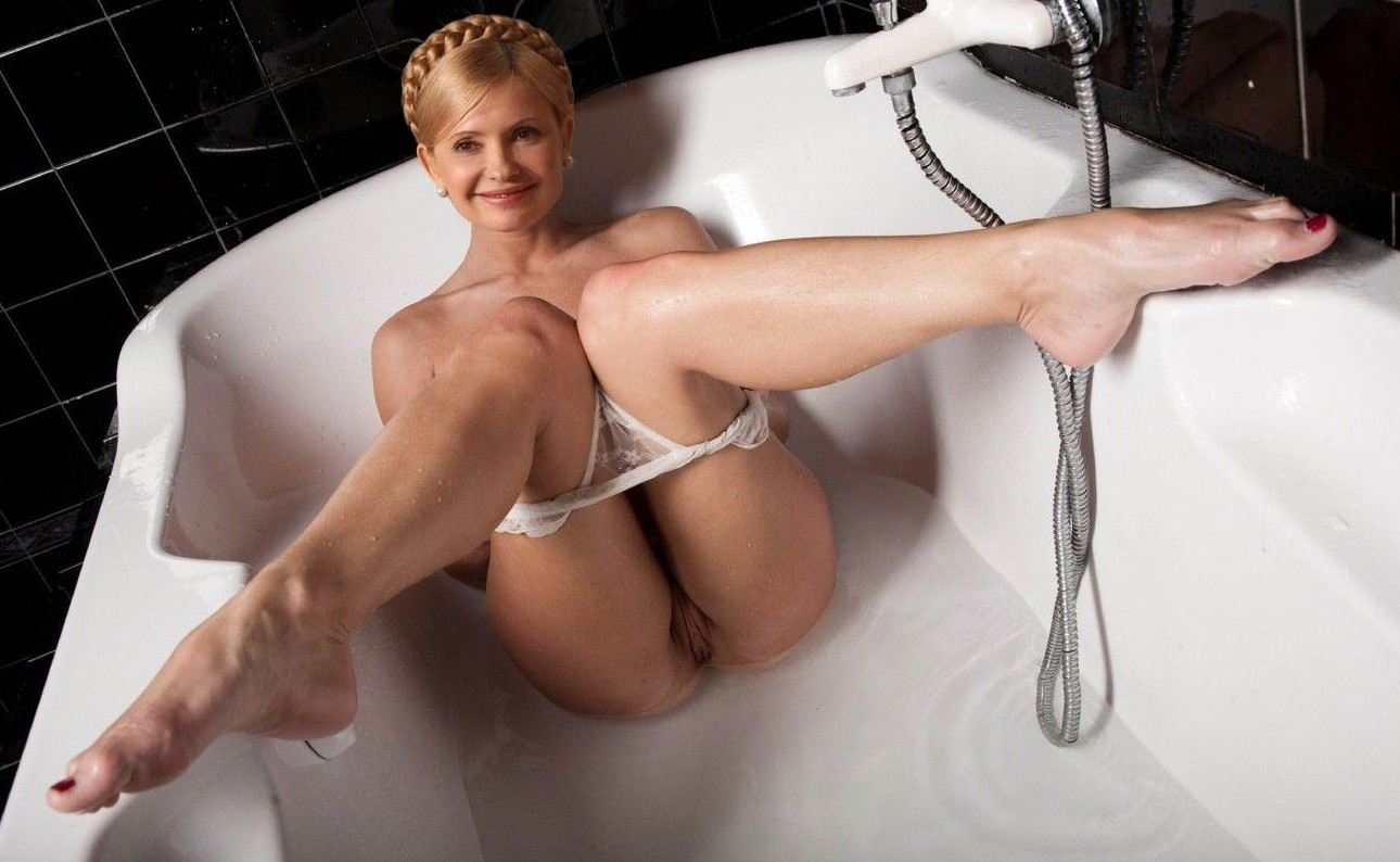 Смотреть фото бесплатно знаменитости голышом 12 фотография