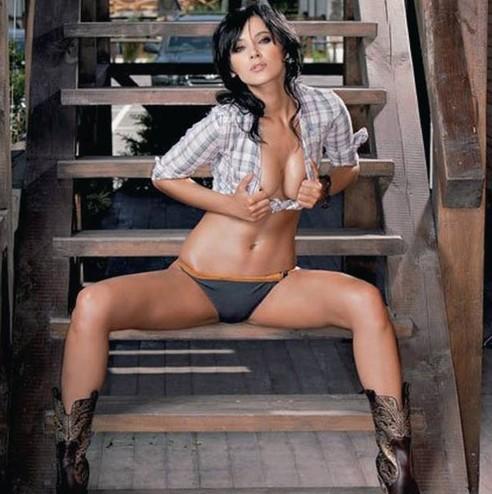 Порно фото певица лоя